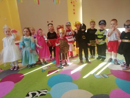 W naszym przedszkolu bal nad bale ! - Każdy bawił się wspaniale :)