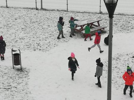 Pada pada śnieg...